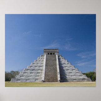 Pirámide maya, mañana en marzo poster