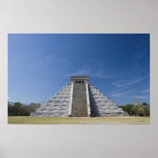 Pirámide maya, mañana en marzo póster