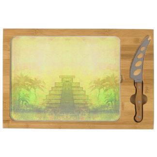 Pirámide maya, tablero del queso de México