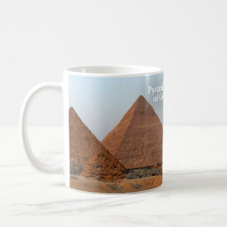 Pirámides de la taza histórica de Giza