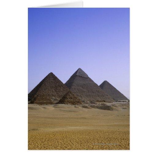 Pirámides en el desierto El Cairo, Egipto Tarjetón