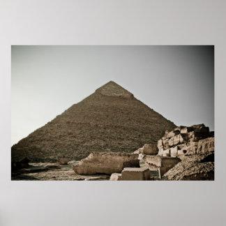 Pirámides en Giza en El Cairo, Egipto Póster