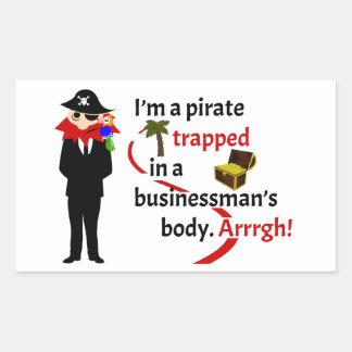 Pirata atrapado en el cuerpo de un hombre de pegatina rectangular
