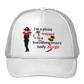 Pirata atrapado en el cuerpo de una empresaria gorras