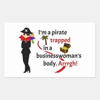 Pirata atrapado en el cuerpo de una empresaria pegatina rectangular