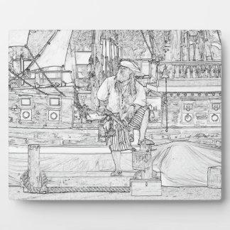 pirata con la comida para arriba en bosquejo de la placa de madera