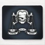 Pirata de la ley tapetes de raton