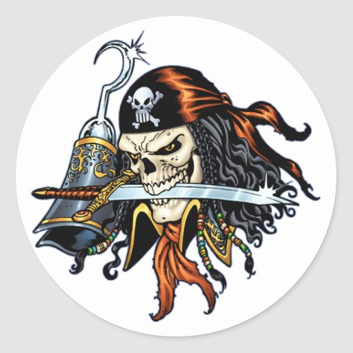 Pirata del cráneo con la espada y el gancho por el pegatina redonda