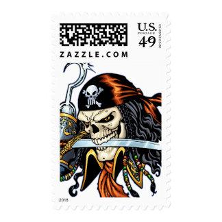 Pirata del cráneo con la espada y el gancho por el timbre postal