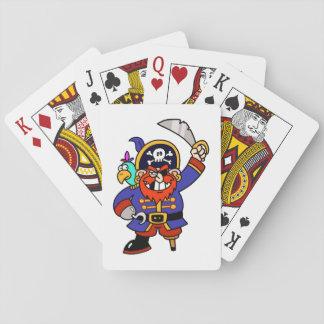 Pirata del dibujo animado con la pierna y la barajas de cartas