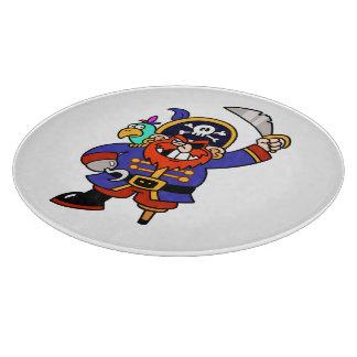 Pirata del dibujo animado con la pierna y la tablas de cortar