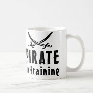 Pirata en el entrenamiento taza de café