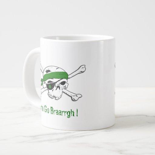 Pirata en taza verde del jumbo del día del St Patr Tazas Extra Grande