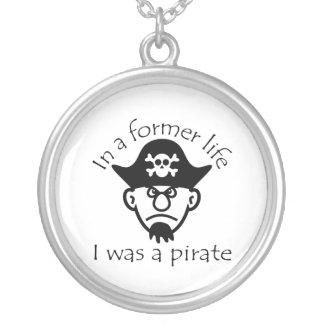 Pirata en vida anterior colgante redondo