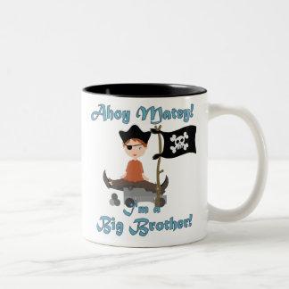 Pirata hermano mayor taza de dos tonos