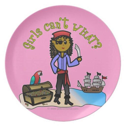 Pirata oscuro del chica platos para fiestas