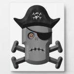 Pirata Rogelio alegre del robot que frunce el ceño Placas Con Foto