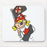 Pirata rubio con la bandera tapetes de ratón