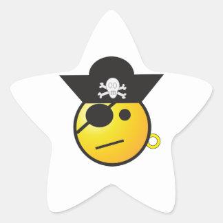 Pirata sonriente amarillo de la cara con el gorra, pegatina en forma de estrella