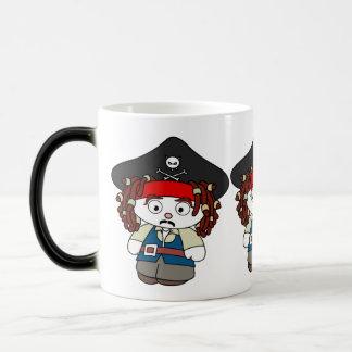 Pirata torpe del dibujo animado taza mágica