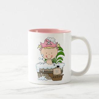 Piratas de la bañera - camisetas y regalos rubios taza de café de dos colores
