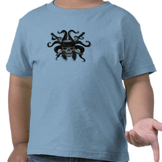 Piratas del cráneo y de las espadas del Caribe Camiseta