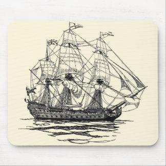 Piratas del vintage bosquejo de una nave de arma alfombrillas de ratones