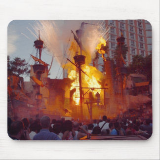 Pirate Ship Battle At Treasure Island In Vegas Mouse Pad