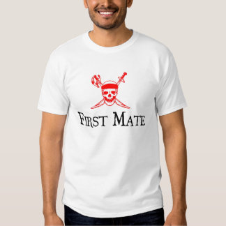 Piratee la camiseta del primer compañero playeras