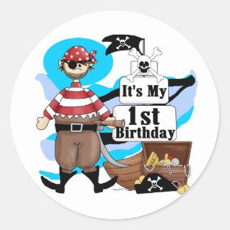 Piratee las 1ras camisetas y regalos del cumpleaño etiquetas