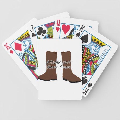 Pisa fuerte hacia fuera el abuso del caballo baraja cartas de poker