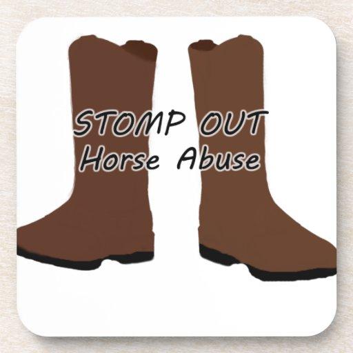 Pisa fuerte hacia fuera el abuso del caballo posavasos de bebidas