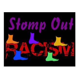 Pisa fuerte hacia fuera el racismo postal