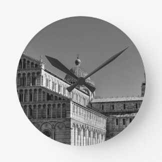 Pisa Round Clock