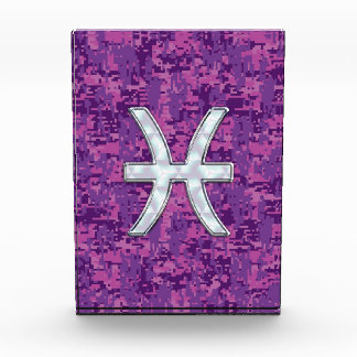 Pisces Zodiac Symbol on Fuchsia Pink Digital Camo Award