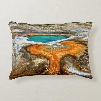 Piscina la termal de Yellowstone Cojín Decorativo