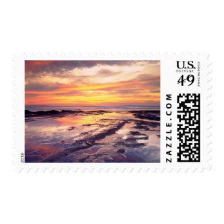 Piscinas de la marea de los acantilados de la timbres postales