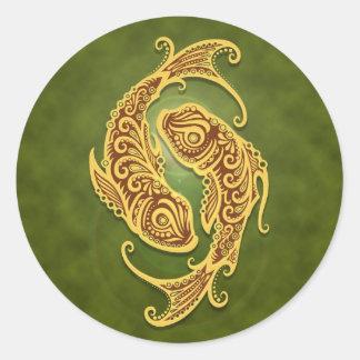 Piscis tribales verdes complejos pegatinas redondas