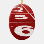 Pista corriente adorno navideño ovalado de cerámica