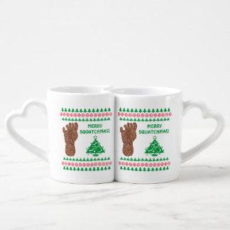 Pista feliz Squatchmas Bigfoot de Sasquatch Taza Para Enamorados