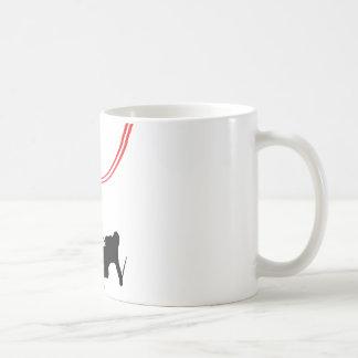 pista roja de esquí del esquí en declive taza de café