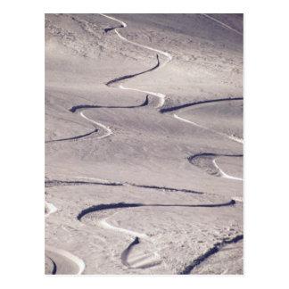 Pistas del esquí tarjetas postales