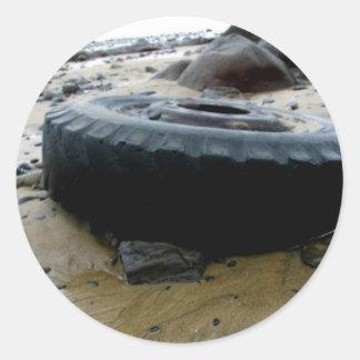 Pistas del neumático pegatina redonda