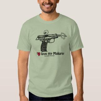 Pistola de Makarov que tira la camiseta urbana del Playeras