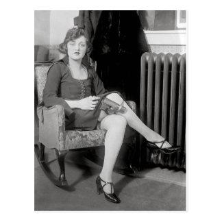 Pistola ocultada en Garter, 1922 Tarjetas Postales