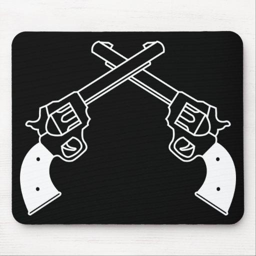Pistolas del duelo alfombrillas de ratón