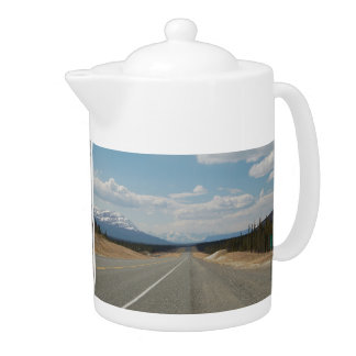 Pit Cher Higway in Canada Teapot