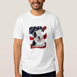 Pitbull americano en la bandera americana polera