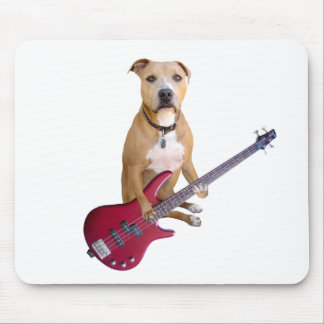 Pitbull con la guitarra alfombrilla de ratones
