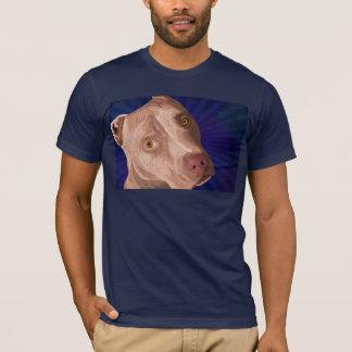 Pitbull rojo de la nariz con un fondo azul playera